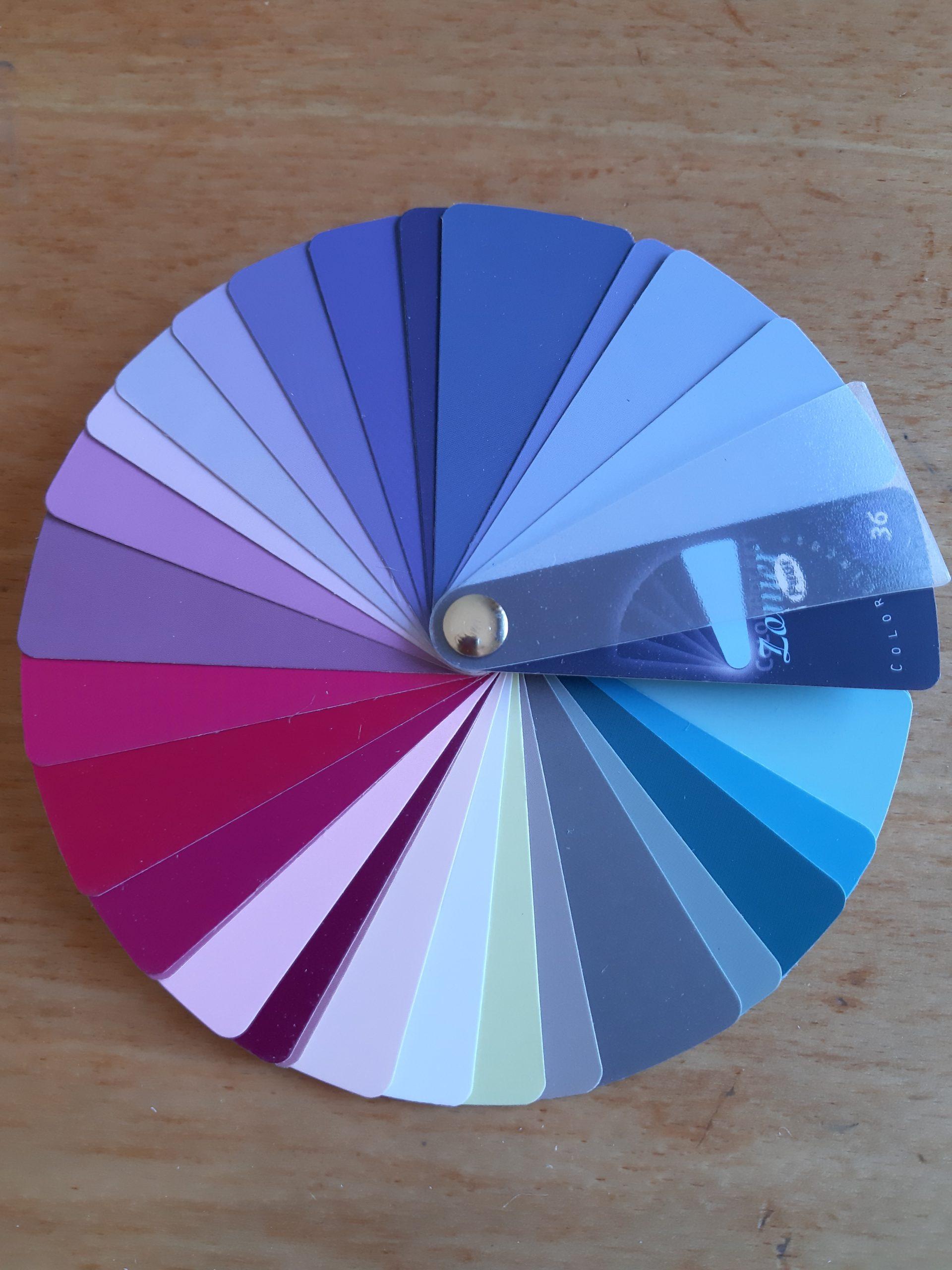 Kleurenkaarten / Kleuren stof folders / waaiers